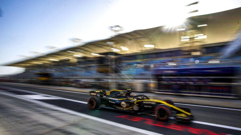 Foto: Carlos Sainz durante la clasificación del GP de Bahrein (EFE)