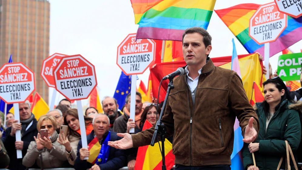 Foto: El líder de Ciudadanos, Albert Rivera, durante la concentración convocada por PP, Ciudadanos y Vox en Madrid. (EFE)