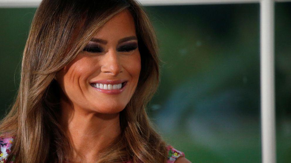 Melania Trump repite vestido y ¿manda otro mensaje anti-Trump?