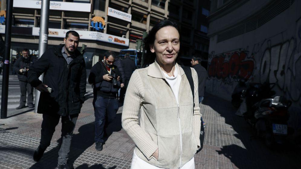 Foto: La diputada de Podemos, Carolina Bescansa, a la salida de la reunión convocada por Pablo Iglesias para tratar de llegar a acuerdos. (EFE)