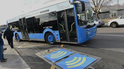 Ya puedes pagar con tarjeta y con el móvil en los autobuses de Madrid: ¿Cómo funciona?