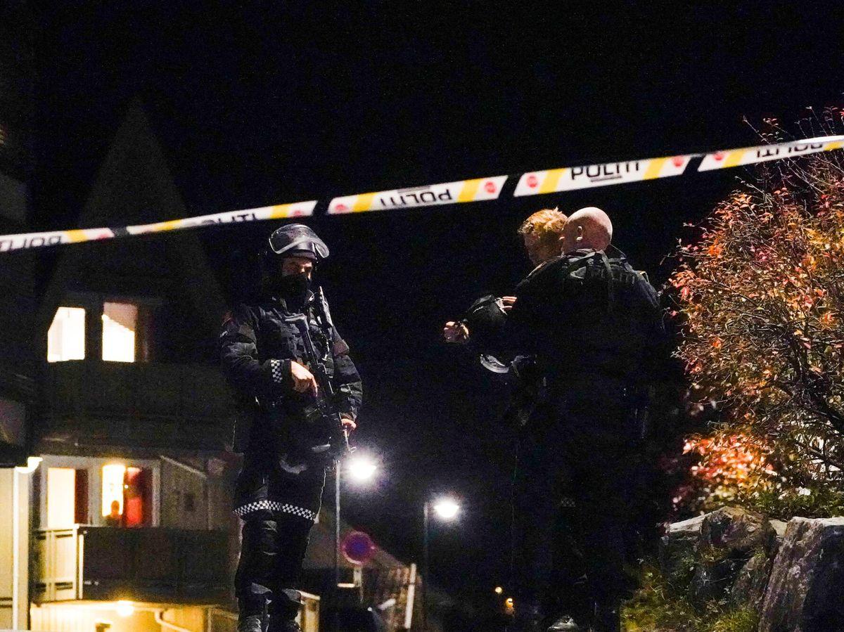 Foto: Varios muertos y heridos tras el ataque de un hombre con arco y flechas en Noruega. (EFE)