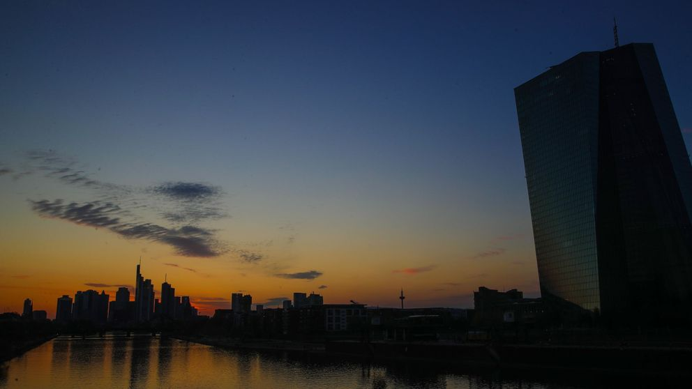 Bruselas recuerda la primacía del Derecho europeo tras el auto alemán sobre el BCE