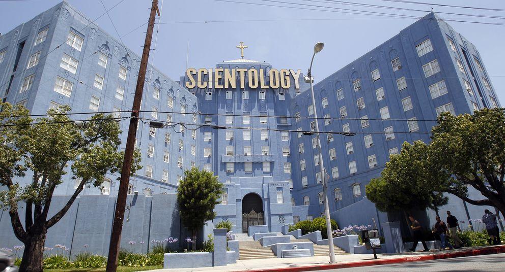 Foto: Fachada de la sede central de la Iglesia de la Cienciología en Los Ángeles. (Reuters/Mario Anzuoni)