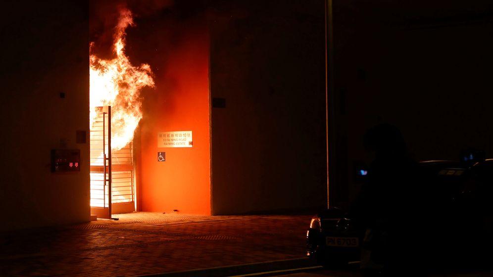 Foto: El recinto en cuarentena ardiendo. (Reuters)