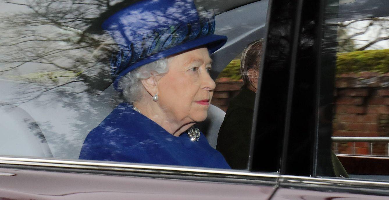 Foto: La reina Isabel acude al servicio religioso de Sandringham