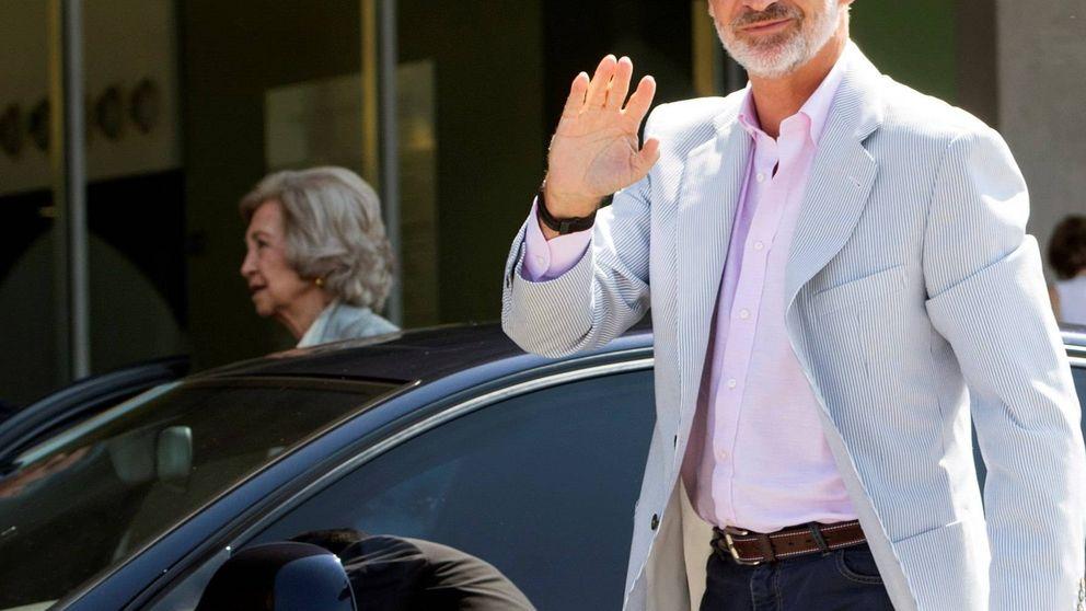 El rey Felipe y doña Sofía, primeras visitas que recibe don Juan Carlos en el hospital