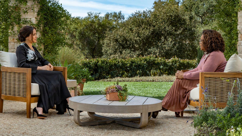 Meghan y Oprah Winfrey. (Reuters)
