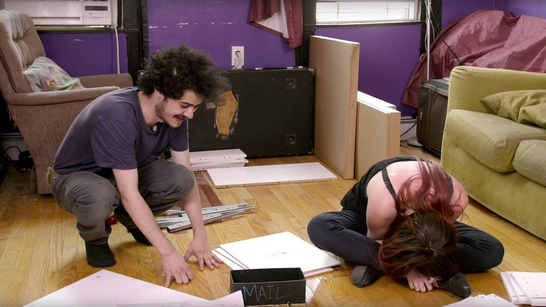 Giancarlo y Nicole, partiéndose de risa
