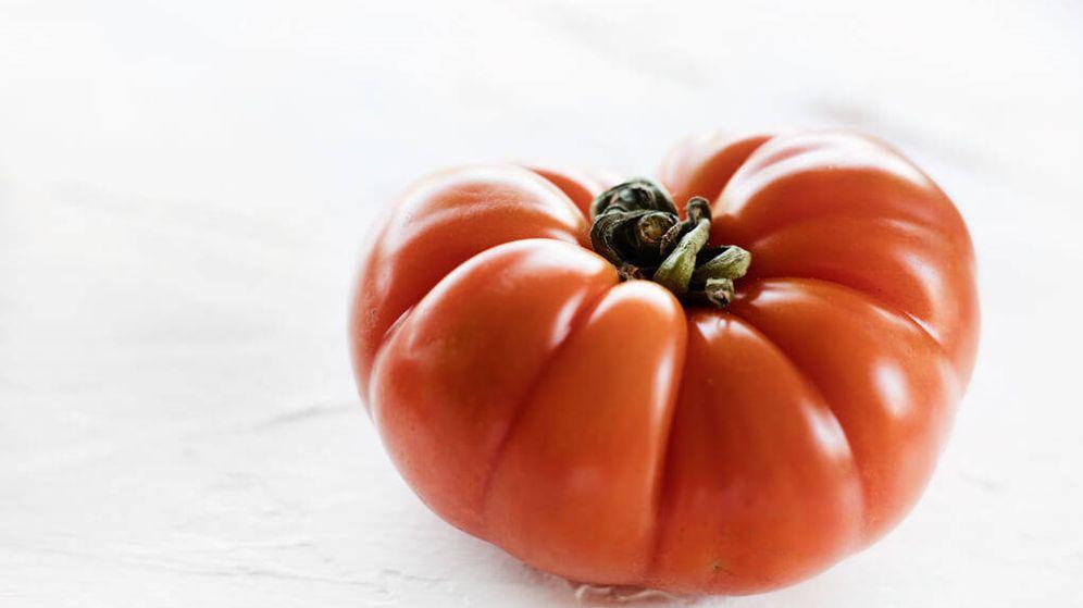 Foto: Pelar un tomate. (Snaps Fotografía)