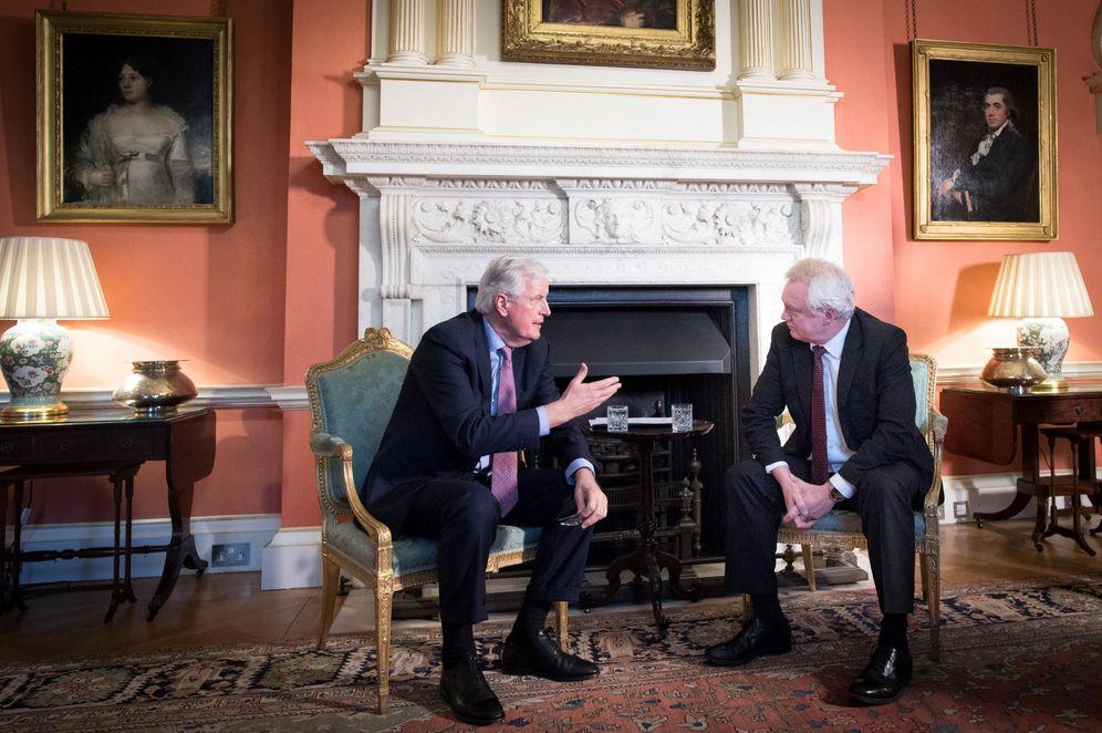 Foto: El ministro británico para el Brexit, David Davis, durante el encuentro con Michel Barnier, en Londres. (Reuters)