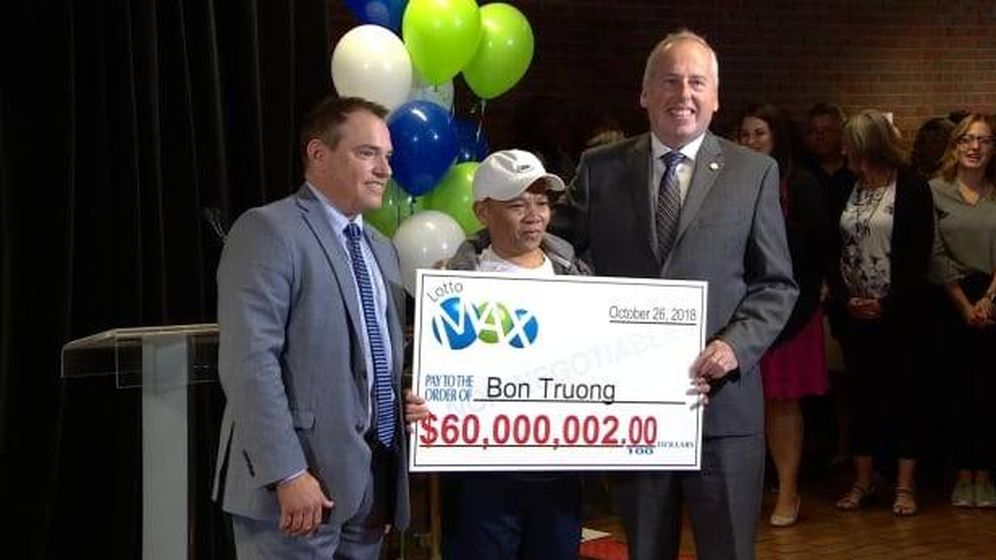 Foto: Bon Truong, con su premio. Foto: Twitter