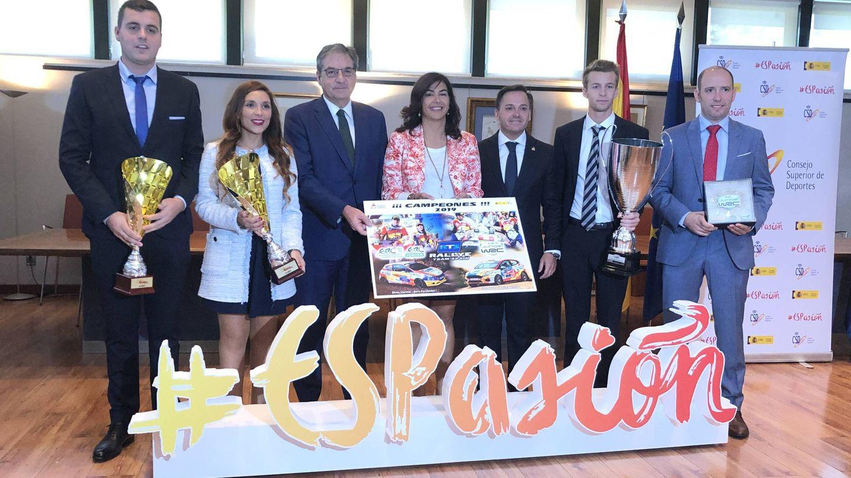 Recibimiento a los campeones en el CSD. (Iago Peleteiro)