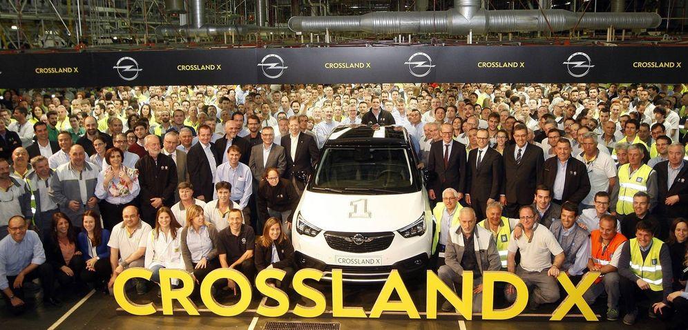 Foto: Inicio de producción del Opel Crossland X en Figueruelas (Zaragoza). (EFE)