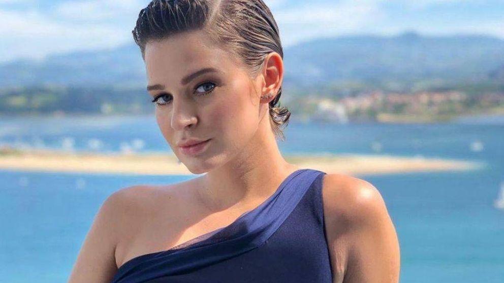 Laura Escanes deslumbra con este vestido corto de volantes de Shein que cuesta 20€