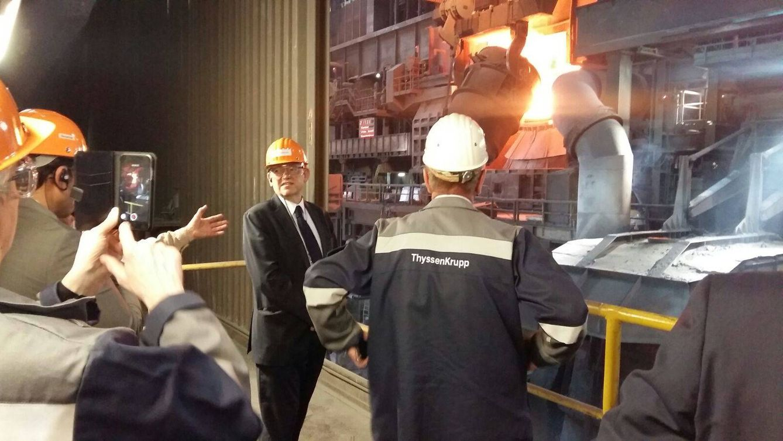 Ximo Puig en su visita esta semana a la planta de ThyssenKrupp Steel en Duisburgo. (EC)