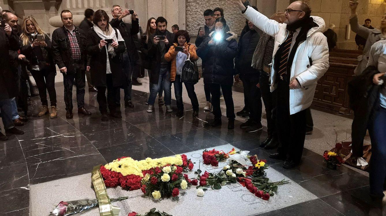Moncloa busca un pacto con la familia de Primo de Rivera para exhumar sus restos