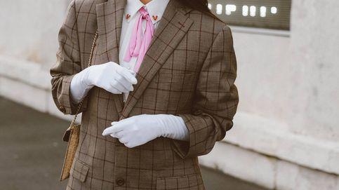 Vestido y blazer, la receta de Stradivarius para disimular la tripita