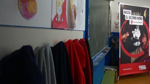 El truco de la botella: así se 'salva' un colegio en el barrio más pobre de España