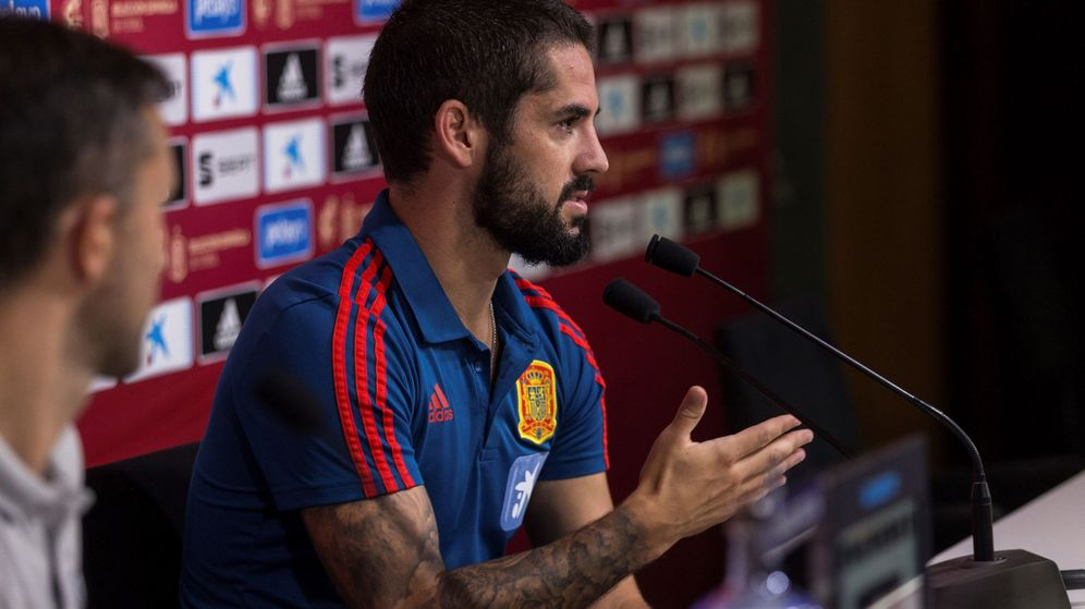 Foto: Isco durante la conferencia de prensa en la Ciudad del Fútbol de Las Rozas. (Efe)