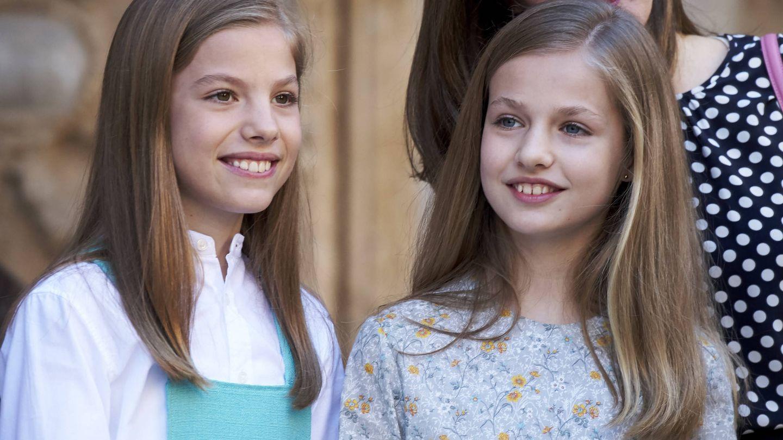 Aunque el peso recaerá sobre Leonor, su hermana Sofía la acompañará en la jornada. (Getty)