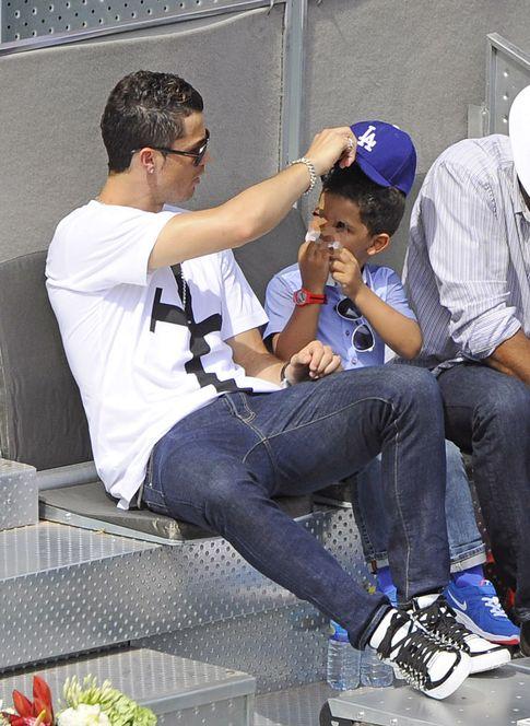 Foto: Cristiano y su hijo en una imagen de archivo (Gtres)