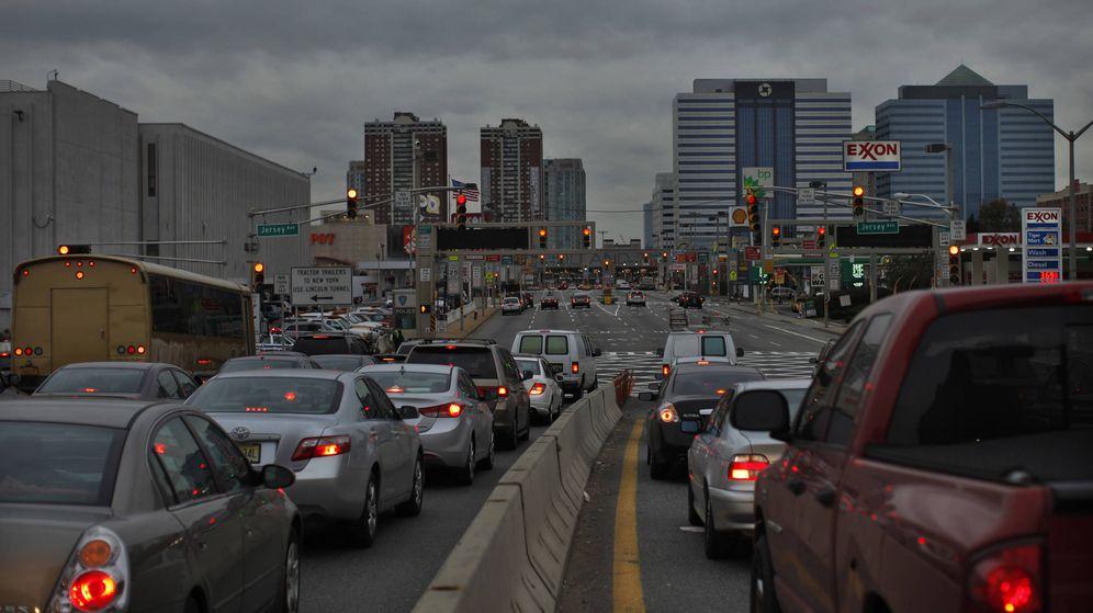 Foto: Conductores en el Holland Tunnel que conecta Jersey con Nueva York. (Reuters)