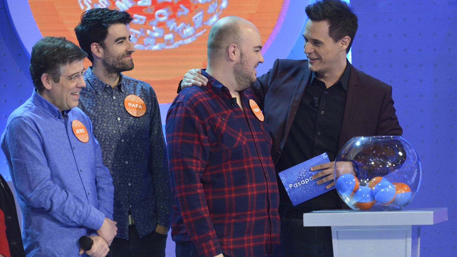 Foto: Fran González, junto a otros concursantes históricos de 'Pasapalabra'. (Mediaset)