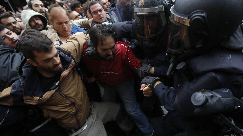Directo juicio 'procés' | Los vídeos de las defensas: patadas, gritos y gente por el suelo