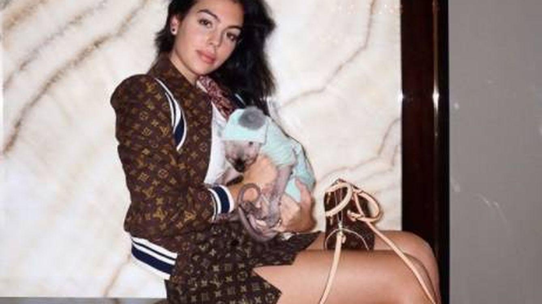El lujoso viaje en jet privado del gato de Georgina Rodríguez y Cristiano Ronaldo