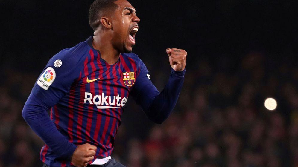 Foto: Malcom, tras marcarle un gol al Madrid con la camiseta del Barça. (Reuters)
