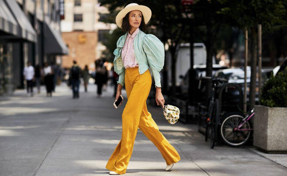 Foto: Ligeros, de lunares o en tejidos como el denim. Copia cómo llevar lo nuevo en pantalones. (Imagen: Imaxtree)