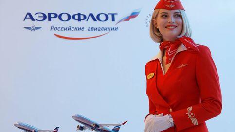 La rebelión de las azafatas: una aerolínea baja el sueldo a las que superan la talla 40