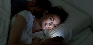 Post de Por qué no debes cargar tu smartphone por la noche y otros consejos eléctricos básicos