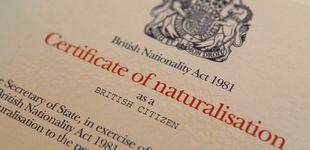 Post de 2.000 libras para aprobar la ciudadanía: así hacen negocio las mafias con el Brexit