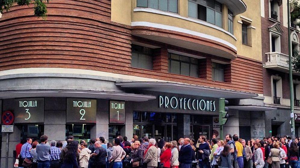 Foto: Colas en la Fiesta del Cine en Madrid. (EFE)