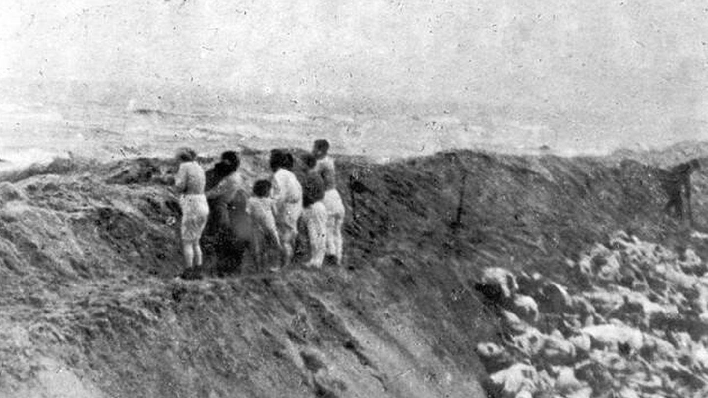 Mujeres judías a punto de ser ejecutadas | Diciembre 1941