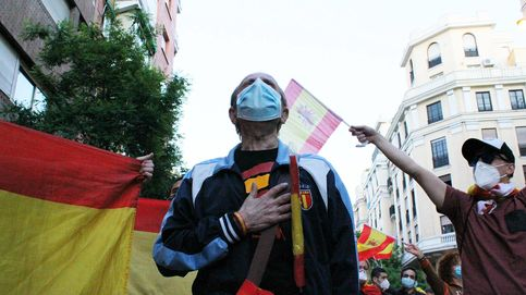 Las protestas en Ferraz se relajan a la espera del 23-M: Esto es la revolución de la libertad