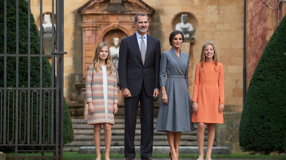 Foto: Los Reyes y sus hijas, en una imagen de archivo. (Limited Pictures)