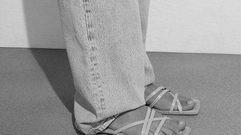 Zara tiene las sandalias planas de tiras que combinan con todo y llevas años buscando