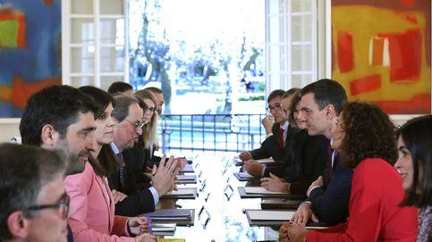 Distensión y cordialidad: los gestos de la primera mesa de diálogo Gobierno-Govern