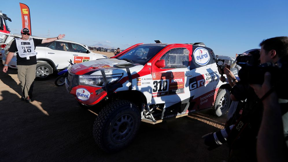 Foto: Así llegó a meta el Toyota de Fernando Alonso y Marc Coma. (Reuters)