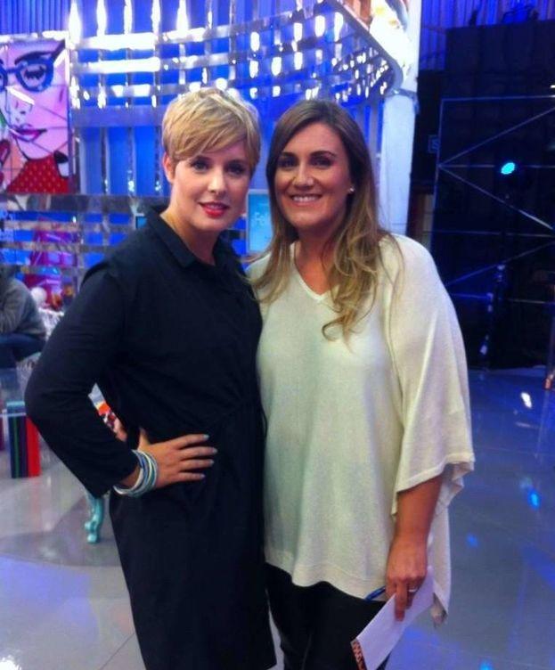 Foto: Carlota Corredera apoya a Tania Llasera.