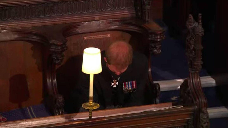 El príncipe Harry, durante el funeral. (YouTube Casa Real británica)