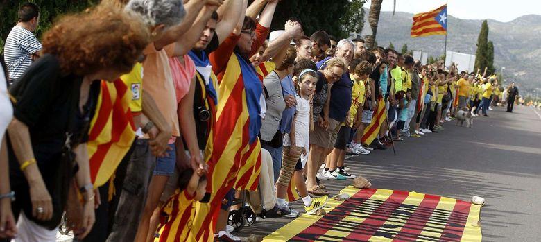 Foto: Cadena por la independencia en Cataluña. (EFE)