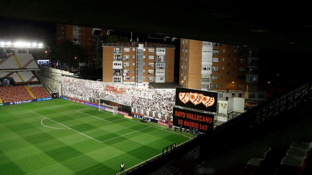 Foto: Estadio de Vallecas en un partido ante el FC Barcelona (Reuters)
