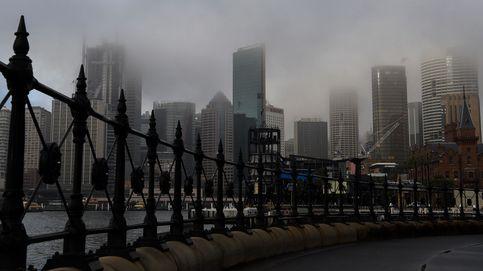 La niebla toma Sídney y oculta la ciudad australiana