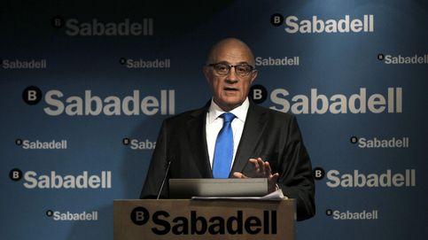 Sabadell rompe la unión sobre Cataluña y pone en un brete a La Caixa