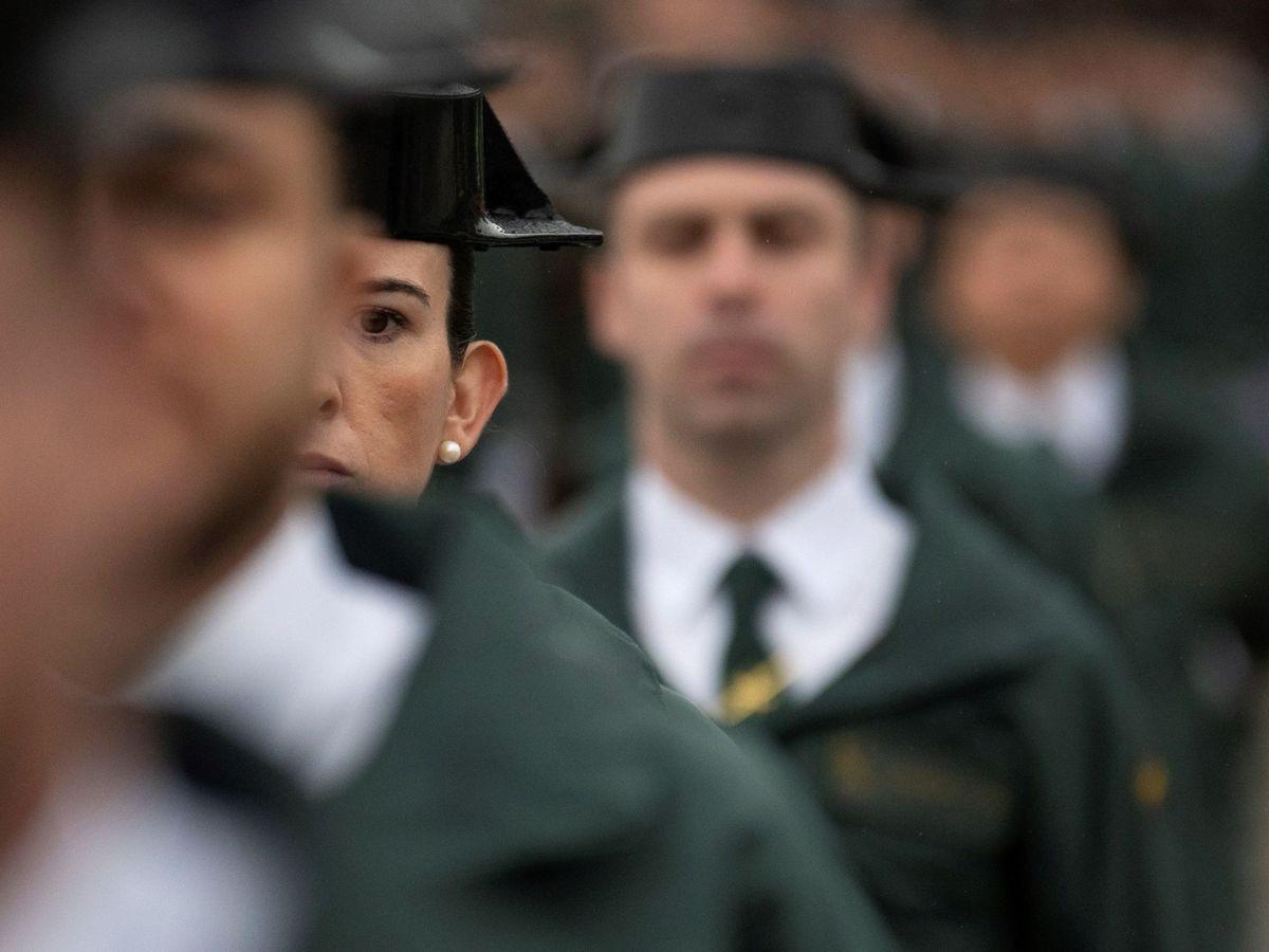 Foto: Foto de archivo de la jura de bandera de guardias civiles en Baeza. (EFE)