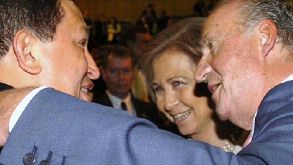 El ex embajador Morodo se reunió en secreto con Chávez para resolver el conflicto con el Rey